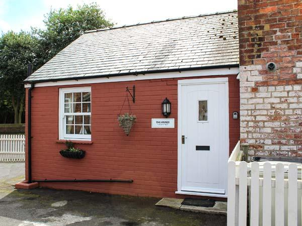 THE ANNEXE, all ground floor, pet-friendly, in Burgh le Marsh, Ref 937272 - Image 1 - Burgh le Marsh - rentals