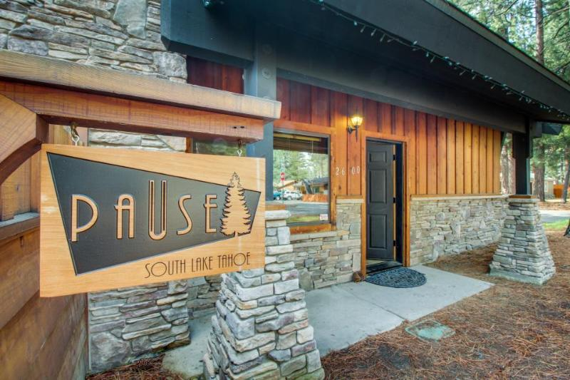 Dog-friendly, contemporary cabin with a private hot tub! - Image 1 - South Lake Tahoe - rentals