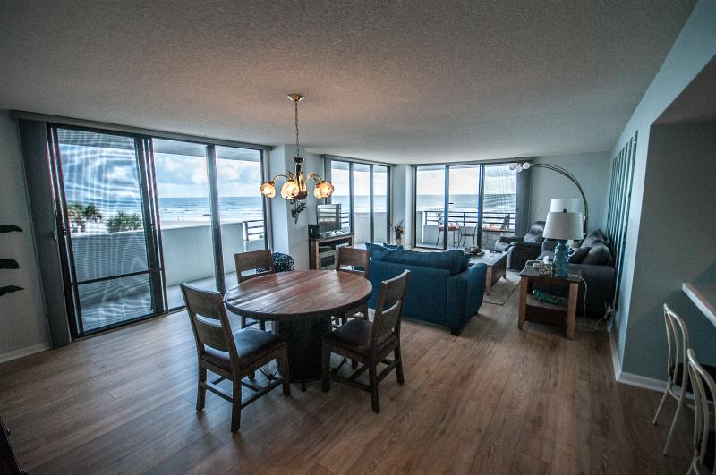 Spacious Oceanfront Living! - Spectacular Horizons 2 nd Floor Oceanfront 3/2 - Daytona Beach - rentals