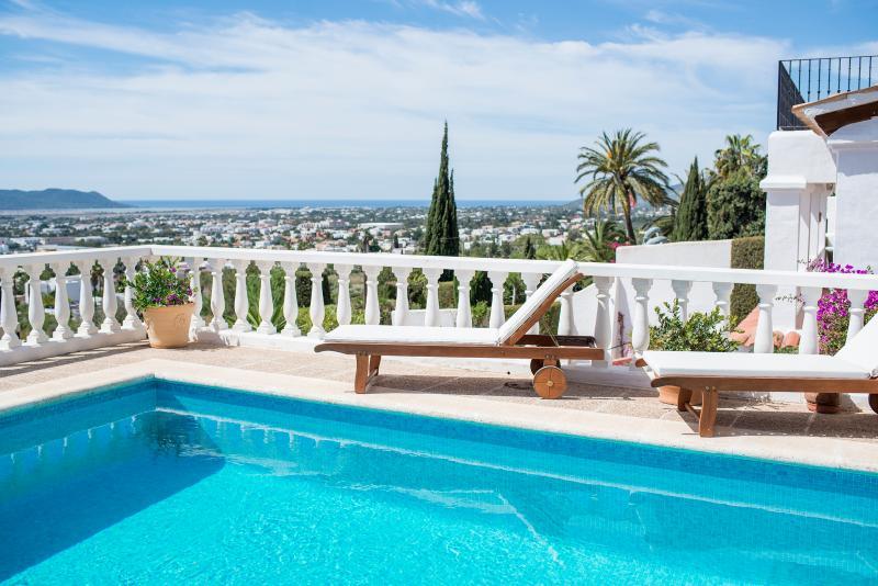 Villa Can Vista - Image 1 - Playa d'en Bossa - rentals