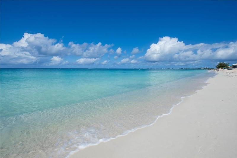 Island Pines #35 - Image 1 - Grand Cayman - rentals