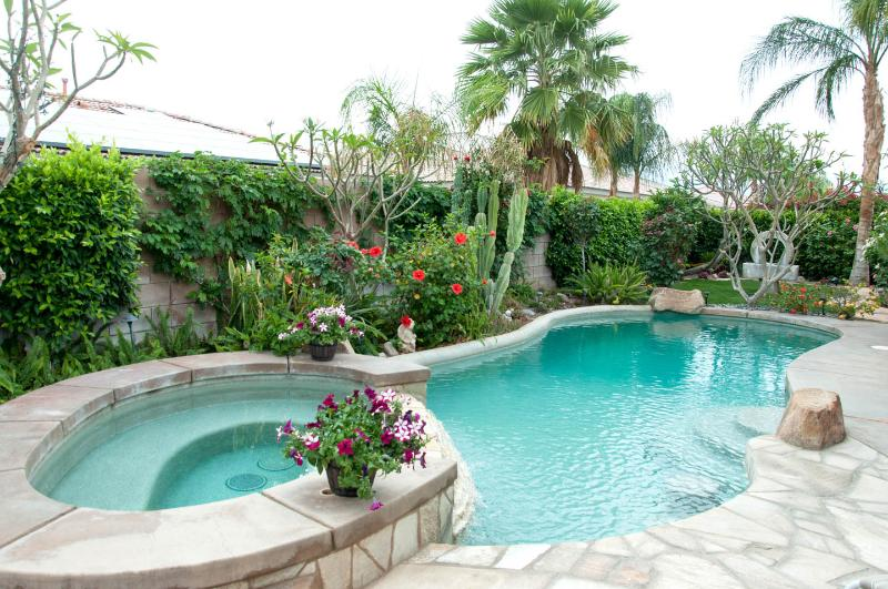 Enjoy the private pool and tropical landscape - Great pool home near golf, casinos, entertainment - Indio - rentals