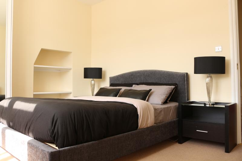 Luxury 1 Bedroom Apartment Moments from Hyde Park - Image 1 - London - rentals