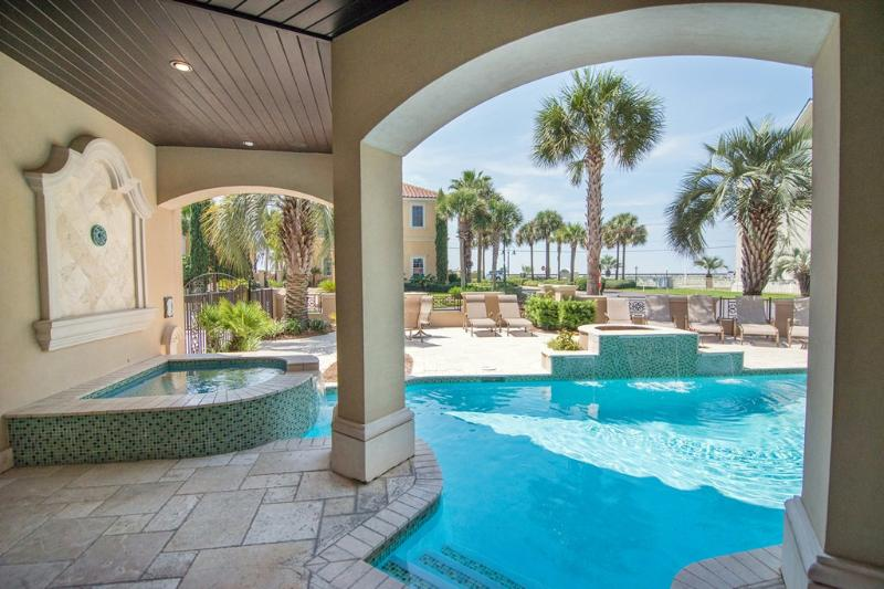 VILLA CAPRI: Huge Resort Style Home-Private Beach - Image 1 - Miramar Beach - rentals
