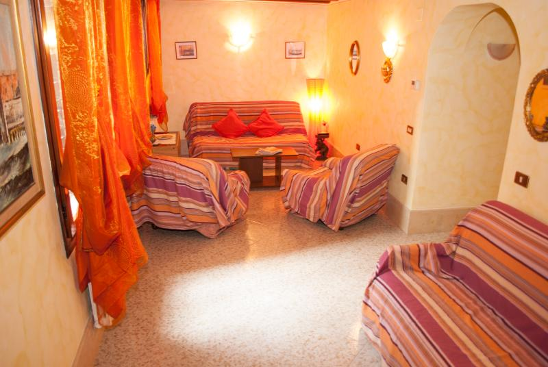 Sunny Venice Apartment - Image 1 - Venice - rentals