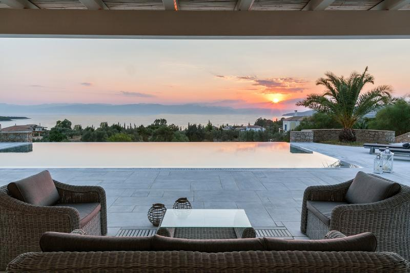 Porto Heli -  Villa  Mimosa a beautiful a a beautiful villa with 5 bedrooms and pool near to beach - - Image 1 - Thermisia - rentals