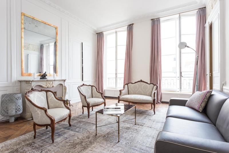 onefinestay - Rue Pavée private home - Image 1 - Paris - rentals