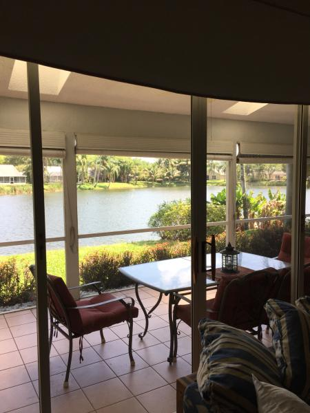 The view from living room - Waterfront Home 10 mins from the beach - Boynton Beach - rentals