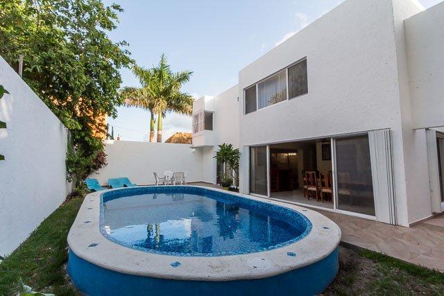 Casa Oro - Quiet In-Town Location, Pool, 4 Bedrooms - Image 1 - Cozumel - rentals