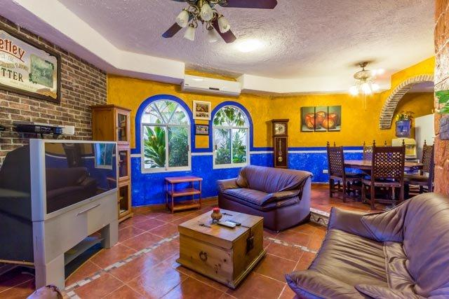 Hacienda Sombrero - Large Pool and Yard, Central Location, Corpus Christi Neighborhood - Image 1 - Cozumel - rentals