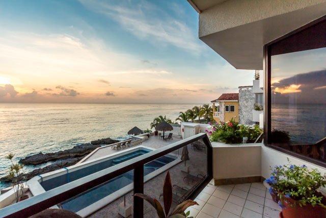 Seaside (2S) - Oceanfront, 5 Min to Town, Great Snorkeling - Image 1 - Cozumel - rentals
