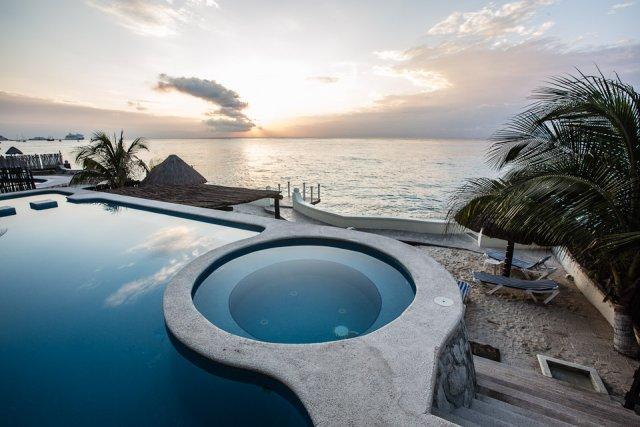 Casa Diane (202) - Beautiful Condo, Ocean View, Fantastic Pool - Image 1 - Cozumel - rentals
