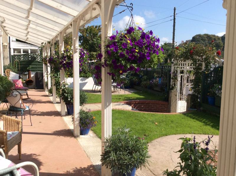 Rose Villa - Image 1 - Illogan - rentals