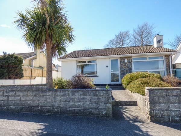 HEARTLANDS VIEW ground floor accommodation, pet-friendly, WiFi, ideal touring location, in Camborne Ref 934243 - Image 1 - Camborne - rentals