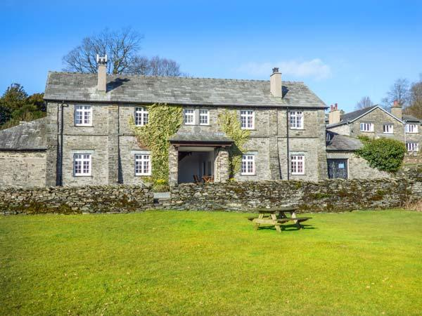 CRUMMOCK one of eleven apartments in a courtyard setting, woodburning stove, pet-friendly in Sawrey Ref 935816 - Image 1 - Sawrey - rentals