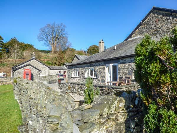 WINDERMERE one of eleven apartments in a courtyard setting, woodburning stove, pet-friendly in Sawrey Ref 935819 - Image 1 - Sawrey - rentals