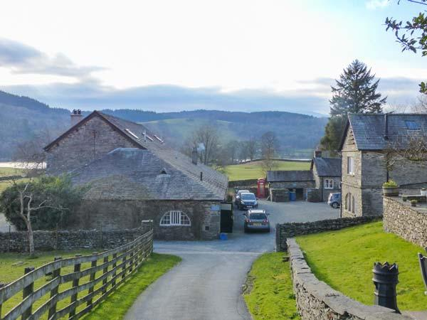 BASSENTHWAITE one of eleven apartments in a courtyard setting, woodburning stove, pet-friendly in Sawrey Ref 935824 - Image 1 - Sawrey - rentals