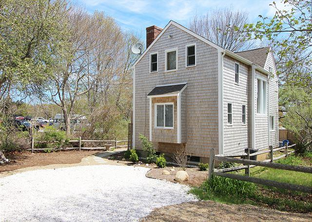 Newly Renovated 2 Bedroom Oak Bluffs House within Walking Distance to Town - Image 1 - Oak Bluffs - rentals
