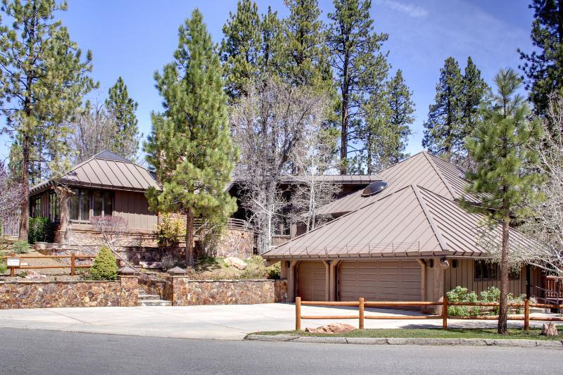 Heavenly Valley Estate - MOUNTAIN ESTATE, HEATED SWIMMING POOL, TENNIS CRT - Big Bear Lake - rentals