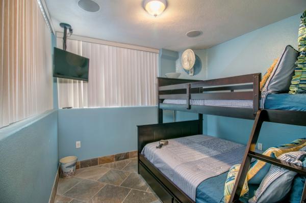 3531OFW-220 - 3531 Oceanfront Walk - San Diego - rentals
