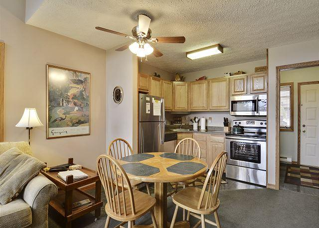 Dining Room - Deerfield's First! Within Walking Distance of Deerfield Restaurant and Pub! - Davis - rentals