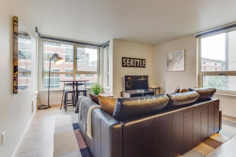 South Lake Union dog-friendly condo w/ rooftop deck & fitness center! - Image 1 - Seattle - rentals
