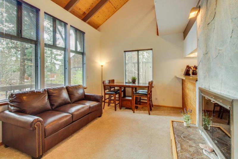 Bright alpine condo, w/shared pool, sauna, hot tub & more! - Image 1 - Tahoe City - rentals