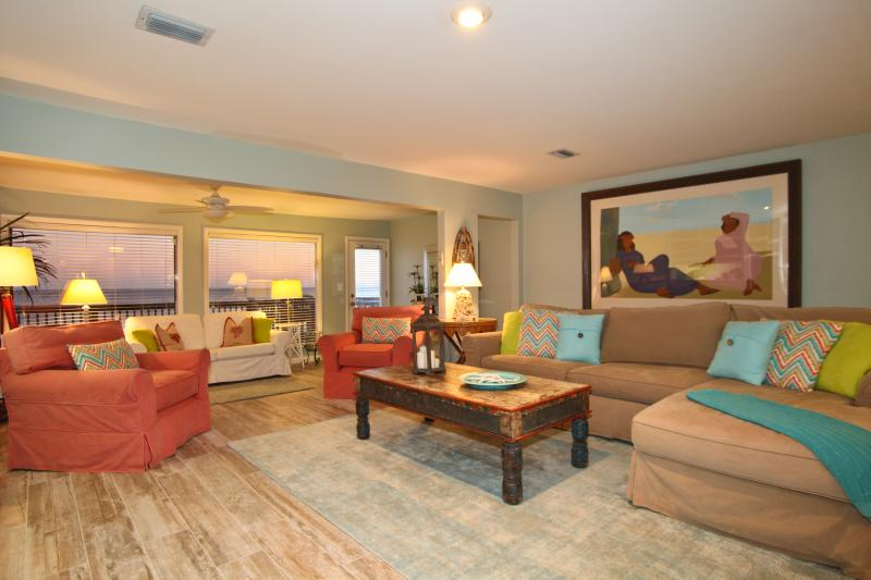Shot at Sunset. Our new renovated main living room. - Coming to Destin? Beachfront Home, 5 -Star! - Destin - rentals