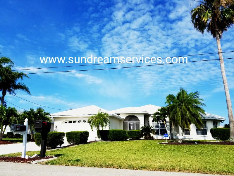 Welcome to Monas White Villa... - Mona's White Villa with Gulf access for Boaters - Cape Coral - rentals
