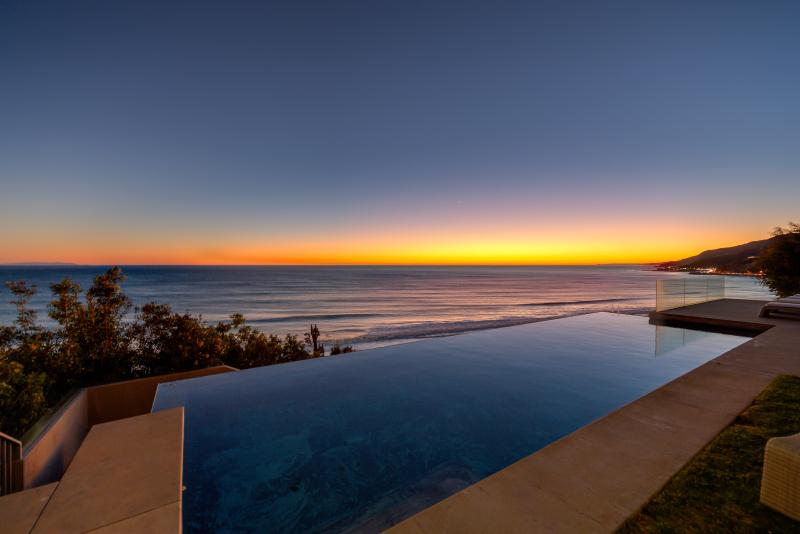 """The Villa"" - 4.5BR Estate w/ Infinity Pool - Image 1 - Los Angeles - rentals"