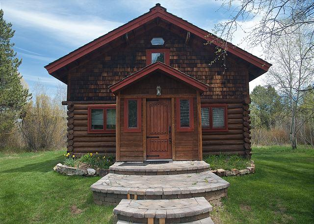 Elegant log home offers the best of contemporary and classic - Image 1 - Wilson - rentals