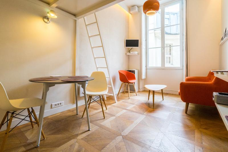 Living Room - Tangerine studio in the center of Paris - Paris - rentals