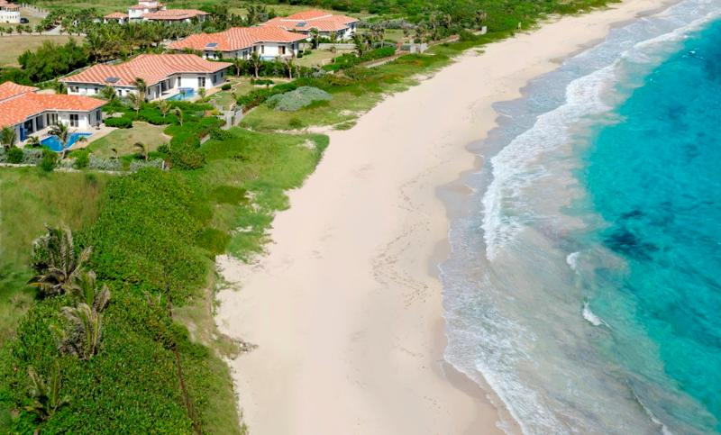 True Beachfront, Ideal for Families & Groups, Private Pool, Short Distance to Restaurants - Image 1 - Guana Bay - rentals