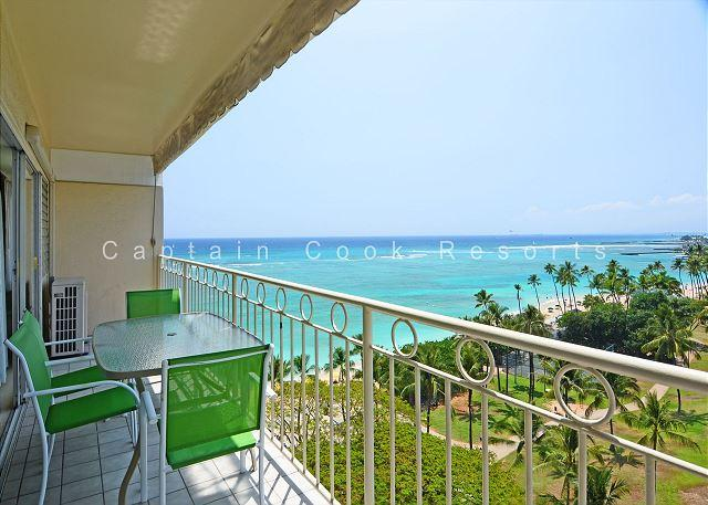 Lovely ocean view from your private balcony - Beachfront View!  A/C, washer/dryer, WiFi, sleeps 4! - Waikiki - rentals