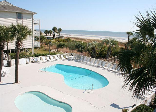 Oceanfront Pool & Baby Pool - Oceanfront 1 Bedroom Villa with Private Oceanfront Balcony! - Hilton Head - rentals
