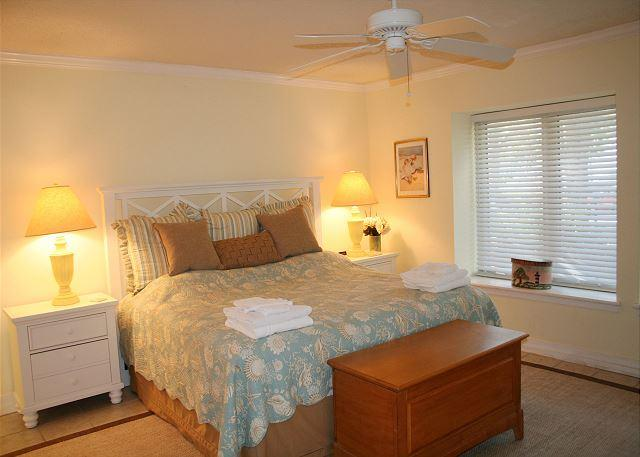 Master Bedroom with King bed,Flat Screen TV & Private Bath - Wonderful Villa in South Beach of Sea Pines. Walk to the Salty Dog and Beach! - Hilton Head - rentals