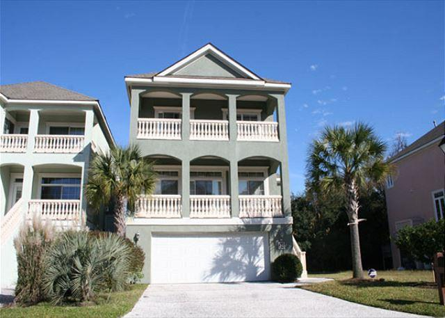 Crabline 34 - 5 Bedroom Home with Pool & Spa! Bike or FREE Seasonal Trolley to the Beach! - Hilton Head - rentals