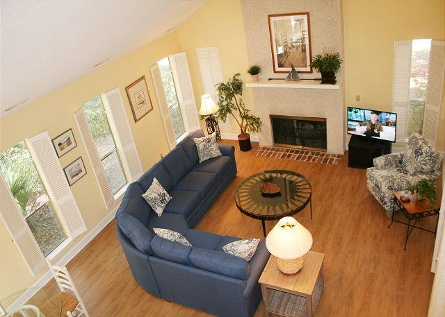 Living Room with Flat Screen TV - Pet Friendly 5th Row Ocean Home in Sea Pines w/ Pool Access at South Beach - Hilton Head - rentals