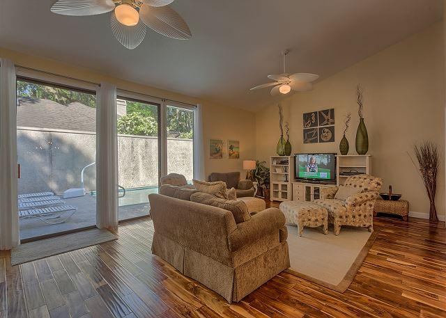 Living Room - Charming 3 bedroom home in Sea Pines with Private Pool - Hilton Head - rentals