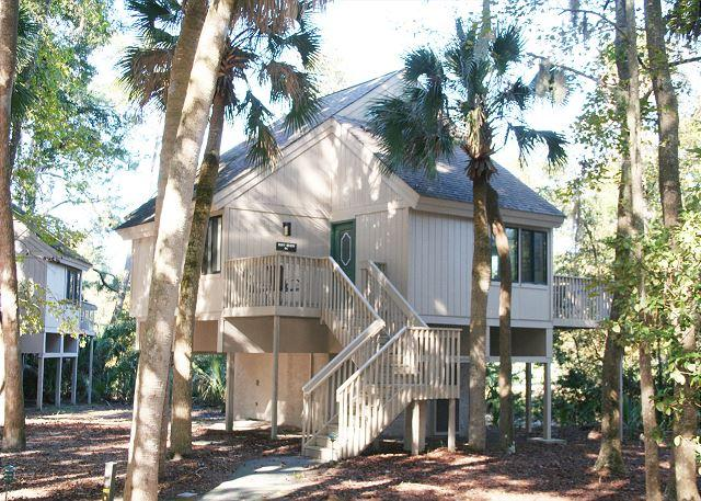 Night Heron 64 - 3 Bedroom Home with Lagoon View & Pool on site, Walk easily to the Beach! - Hilton Head - rentals