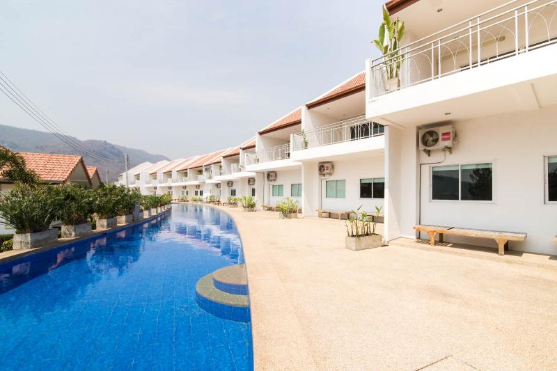 Baan Kieng Num  (BKN) 3 bedroom  huahin near black mountain golf club - Image 1 - Hua Hin - rentals