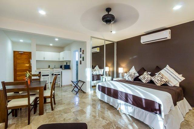 Casa Coral (4A) - An Oasis of Comfort in the Center of Playa - Image 1 - Playa del Carmen - rentals