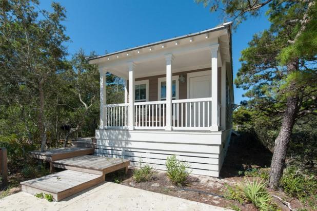 Quiet 2 BR Blue Mtn Cottage-Bonfires and Football - Image 1 - Santa Rosa Beach - rentals