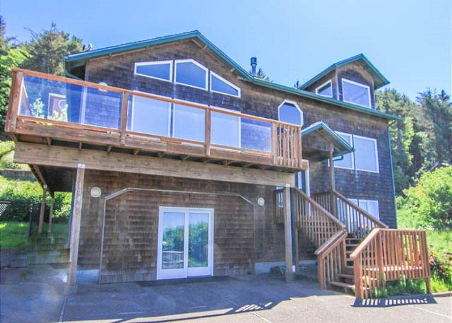 Three-story Ocean-view Packs in the Fun! - Image 1 - Lincoln City - rentals