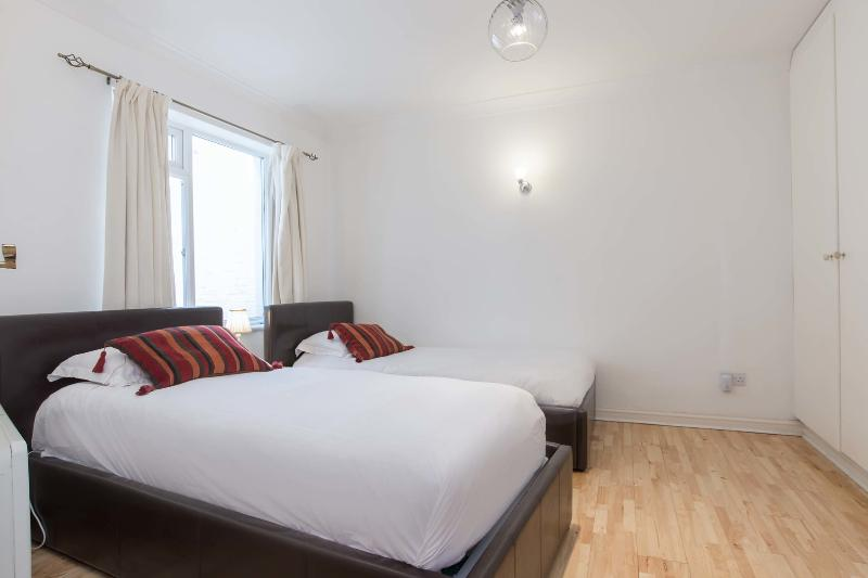 Lovely little one-bed flat right near Paddington and Westminster. - Image 1 - London - rentals