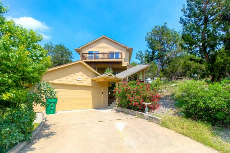 Dog-friendly lake view home with a shared pool, tennis courts & beach access! - Image 1 - Lago Vista - rentals