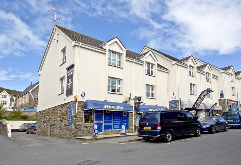 Apartment 1, Barton Court located in Woolacombe, Devon - Image 1 - Woolacombe - rentals