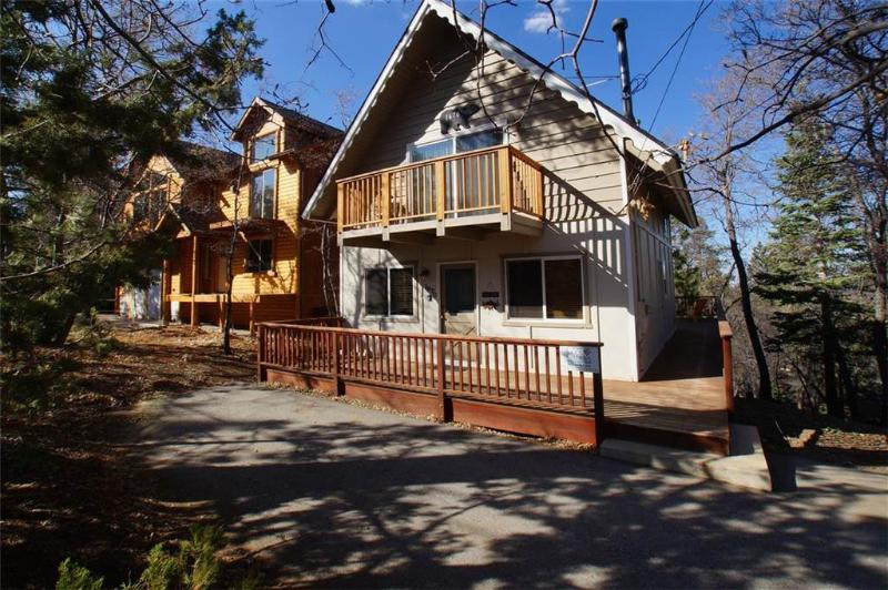 Wolf Road Retreat - Image 1 - Big Bear Area - rentals