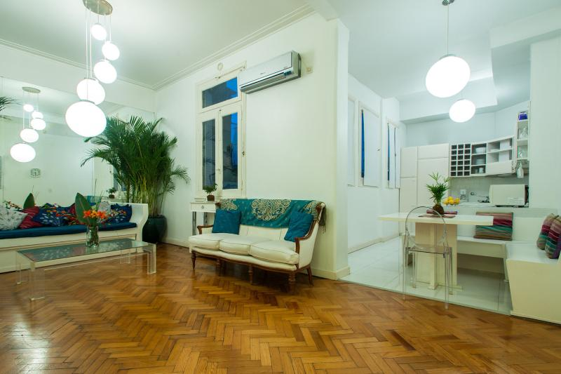 Living Room - Quirky Luxe: Chandeliers, Vino, cells, Jacuzzi tub - Buenos Aires - rentals