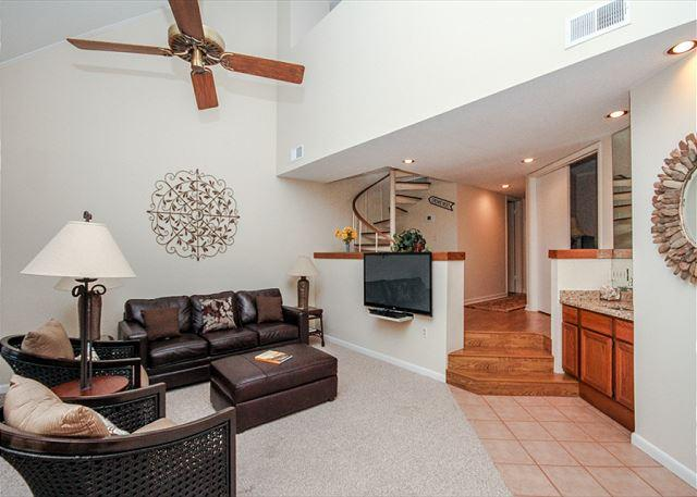 Open Concept - Anchorage 7472, Penthouse, 3 BRs, 3 BAs, Large Pool, Sleeps 8 - Hilton Head - rentals